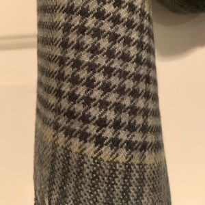 Houndstooth D&Y Scarf - Gray